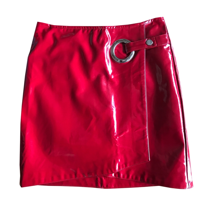 Falda-vinilo-roja